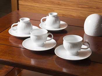 白磁のティーカップ