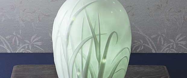 石井康行の精緻な技が光る「ほたる」ランプ その裏のデザインは?!