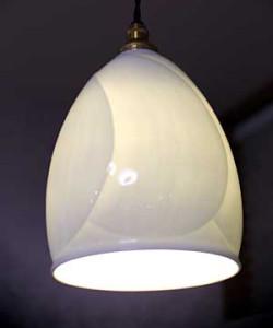 白磁ランプ 花弁文様